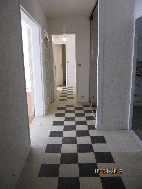 Appartement à louer 3 70.96m2 à Boulogne-Billancourt vignette-4