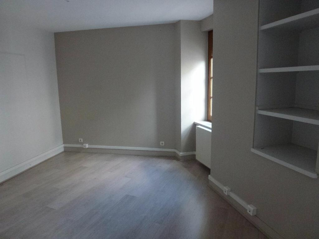 Appartement à louer 1 25.5m2 à Limoges vignette-3