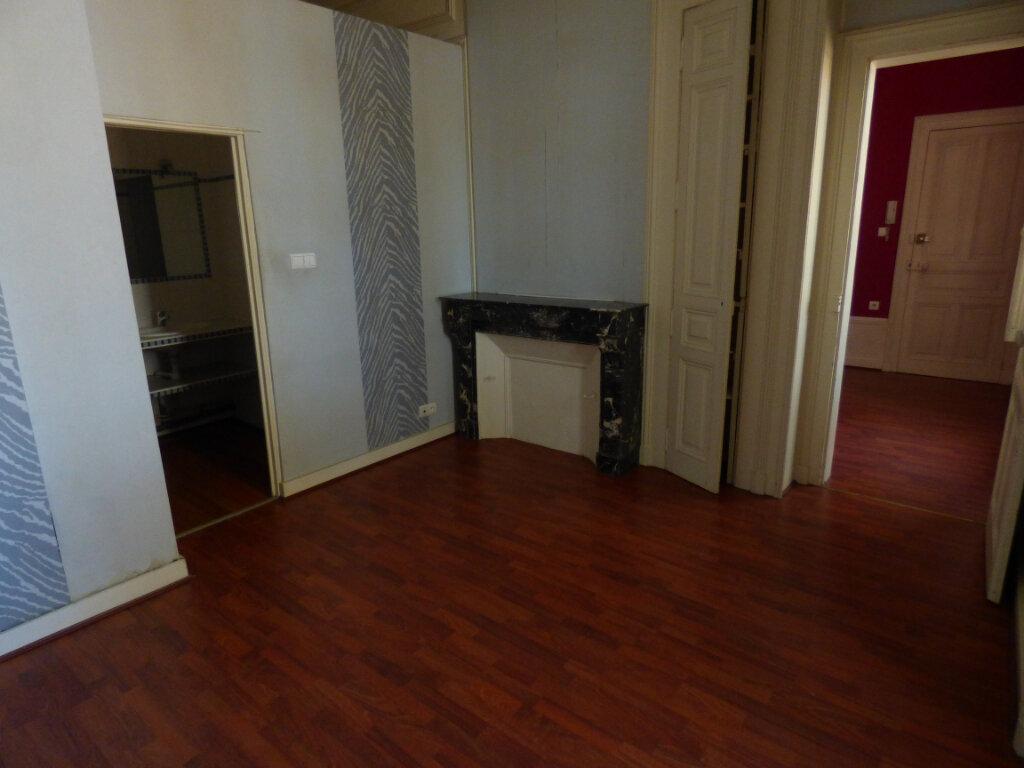 Appartement à louer 2 32.15m2 à Limoges vignette-2