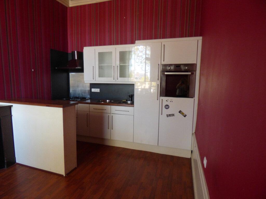 Appartement à louer 2 32.15m2 à Limoges vignette-3