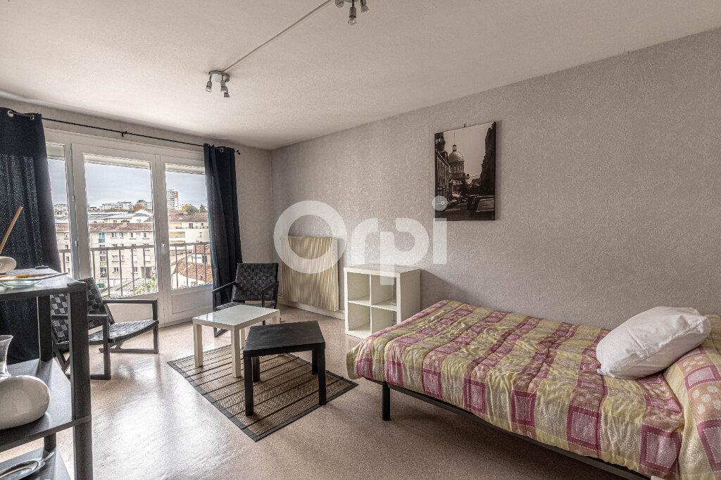 Appartement à louer 1 25.42m2 à Limoges vignette-1