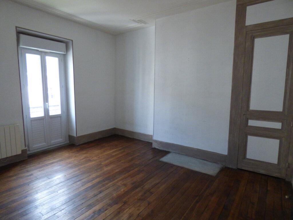 Maison à louer 7 149m2 à Limoges vignette-4