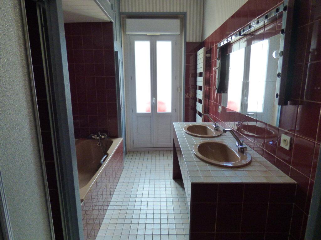Maison à louer 7 149m2 à Limoges vignette-5