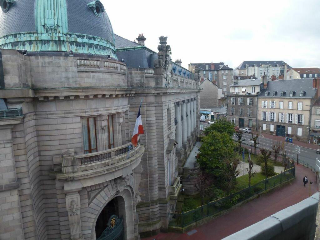 Appartement à louer 2 80.71m2 à Limoges vignette-1