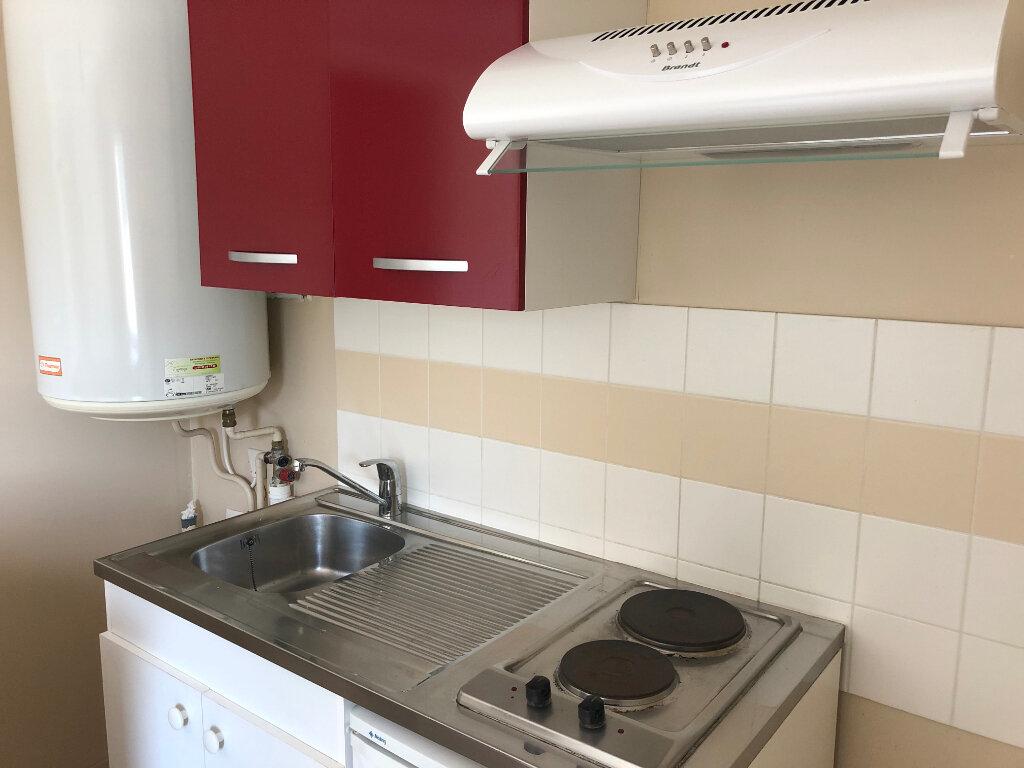 Appartement à louer 1 19.04m2 à Limoges vignette-2