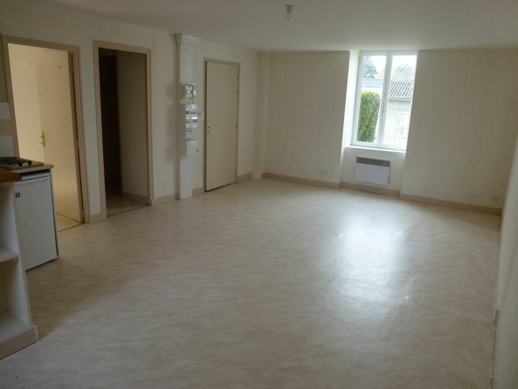 Appartement à louer 2 43.13m2 à Limoges vignette-1