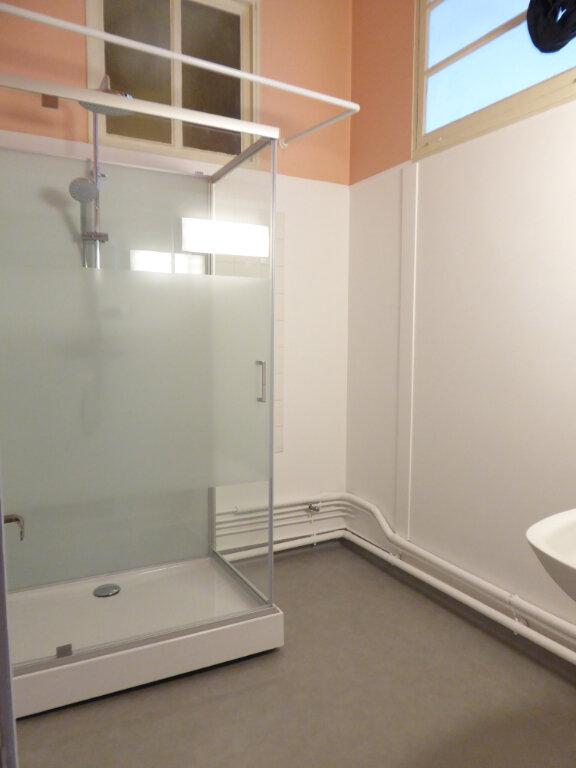 Appartement à louer 3 78m2 à Limoges vignette-3