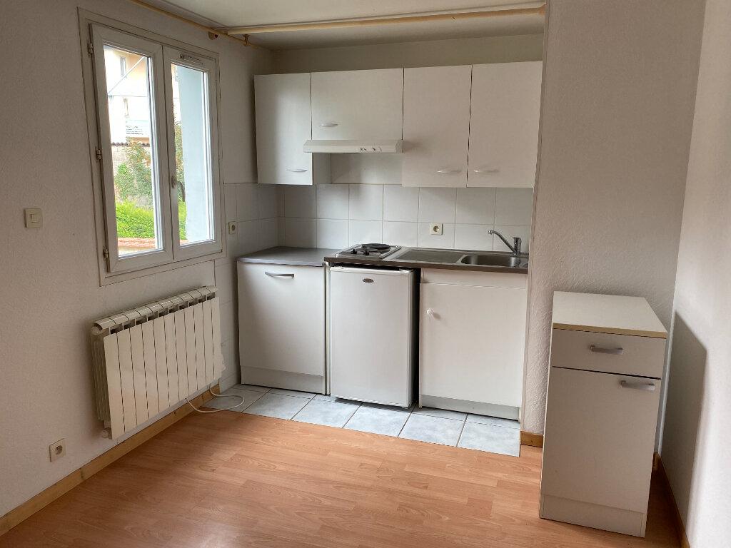 Appartement à louer 1 18.02m2 à Limoges vignette-3