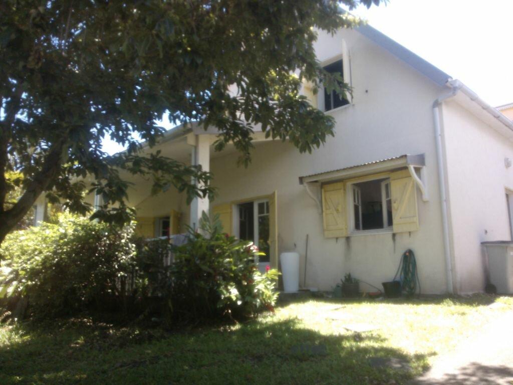 Maison à louer 5 103.93m2 à Saint-Denis vignette-1