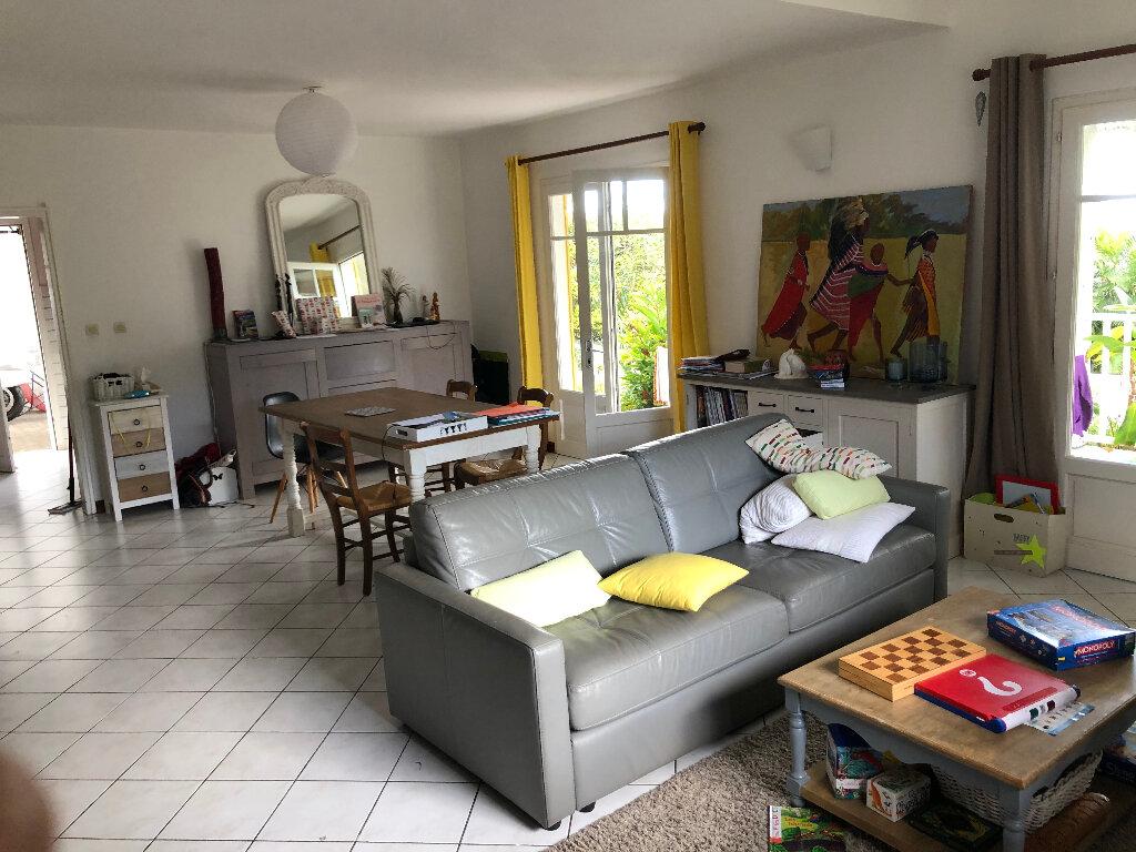 Maison à louer 5 103.93m2 à Saint-Denis vignette-6