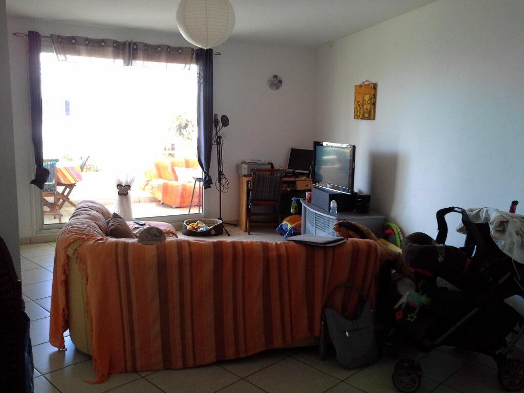 Appartement à louer 2 48.7m2 à Saint-Denis vignette-3
