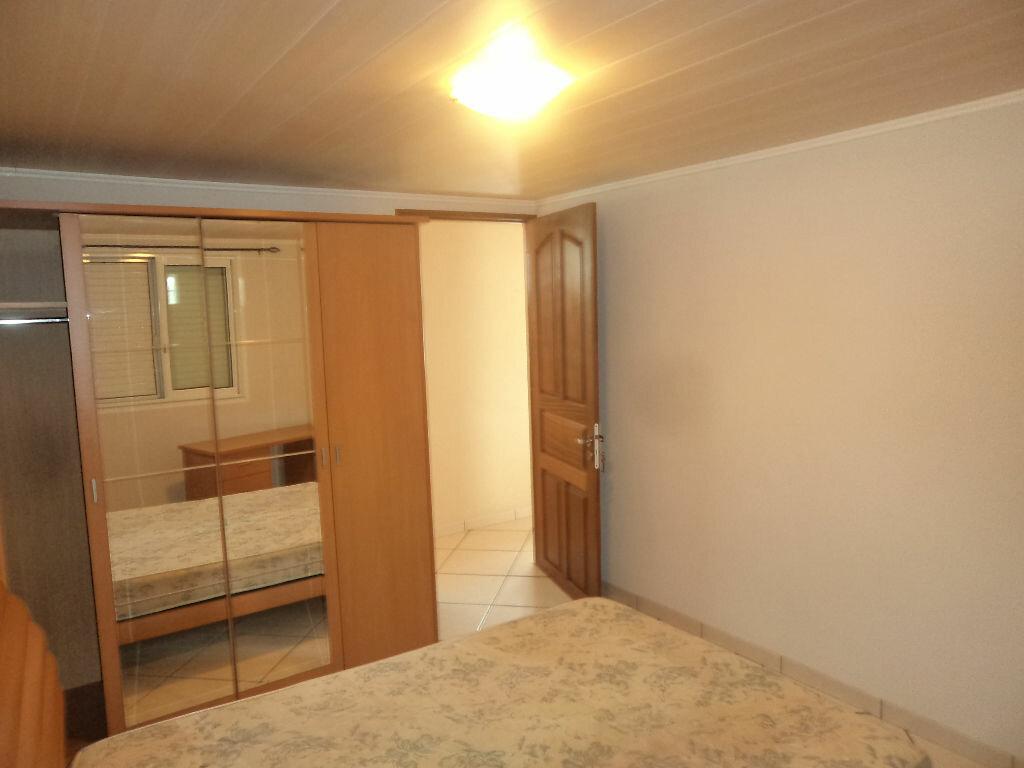 Maison à louer 4 150m2 à Le Tampon vignette-5