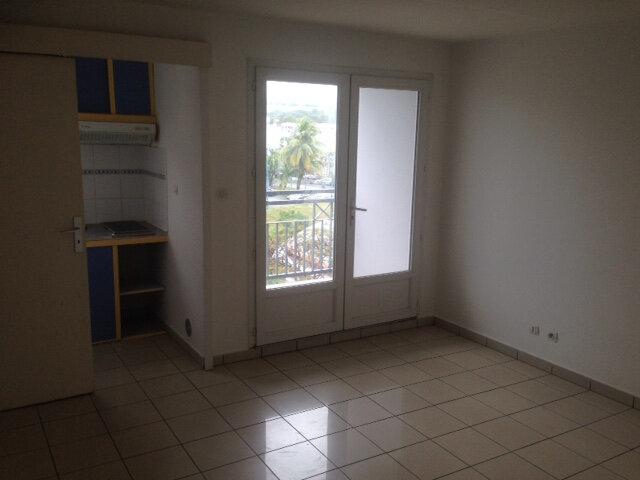 Appartement à louer 1 22.74m2 à Sainte-Marie vignette-1