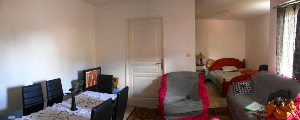 Appartement à vendre 1 40m2 à Saint-Pierre vignette-1