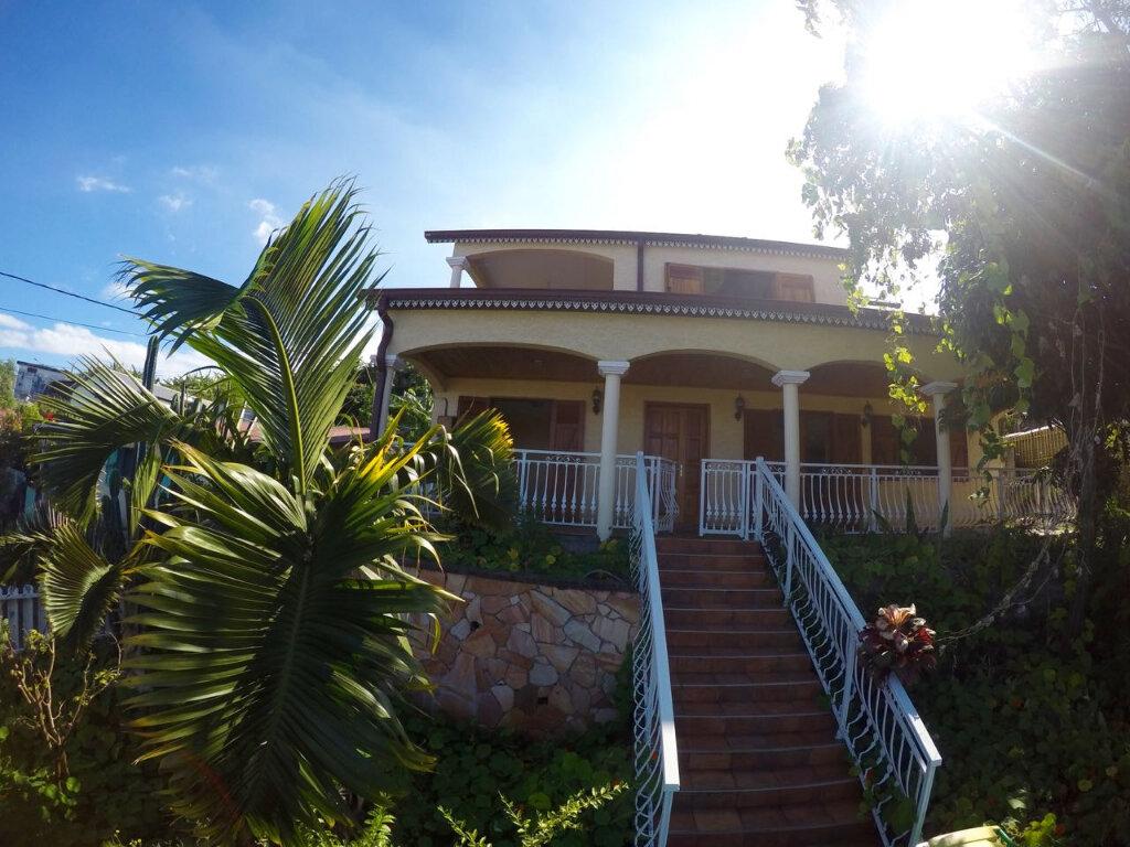 Maison à vendre 10 170m2 à Petite-Île vignette-1
