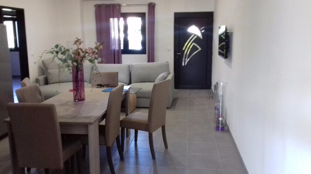 Appartement à louer 3 105m2 à Saint-Pierre vignette-7