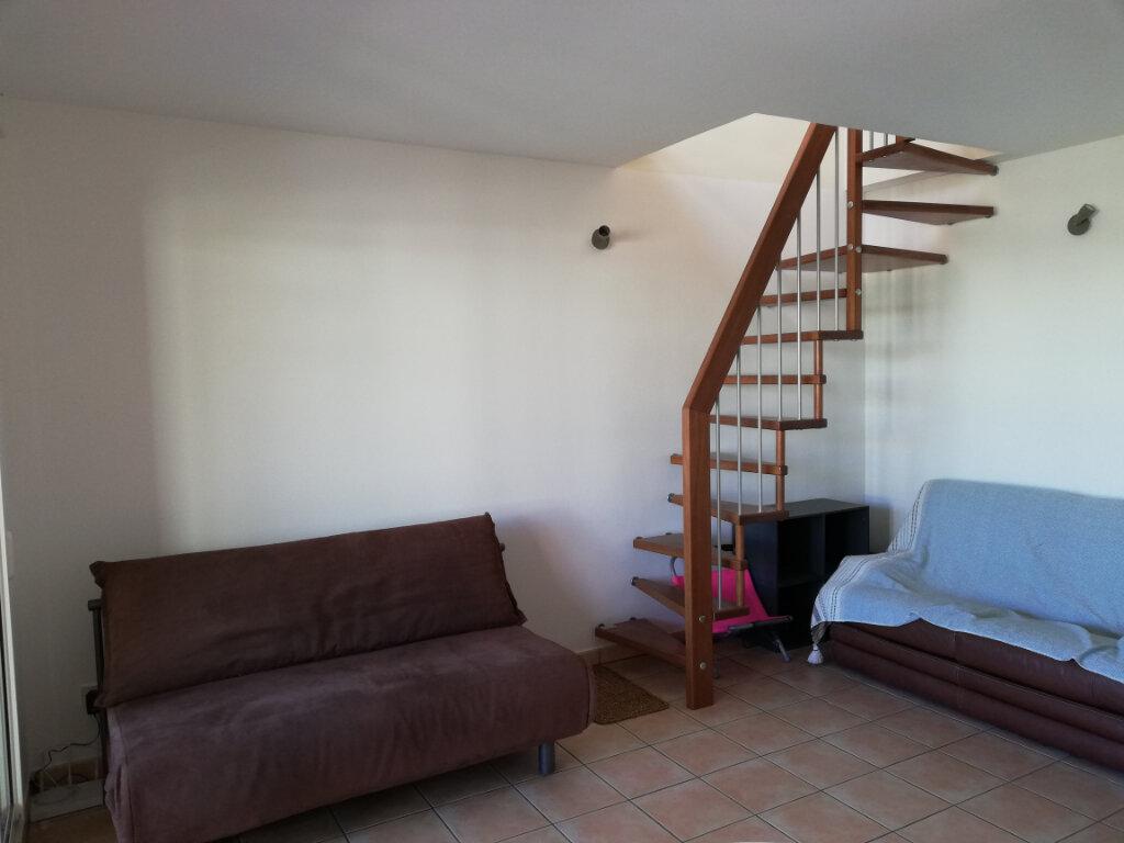 Appartement à louer 2 44m2 à Saint-Paul vignette-2