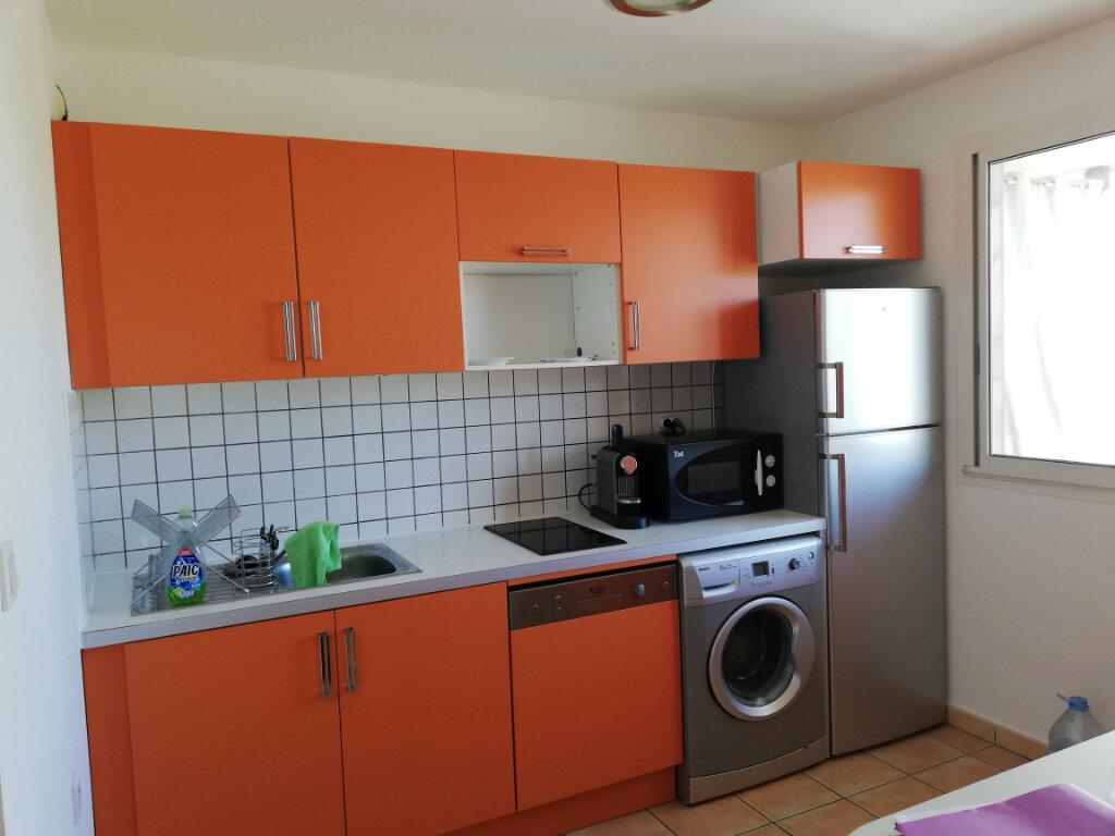 Appartement à louer 2 44m2 à Saint-Paul vignette-3