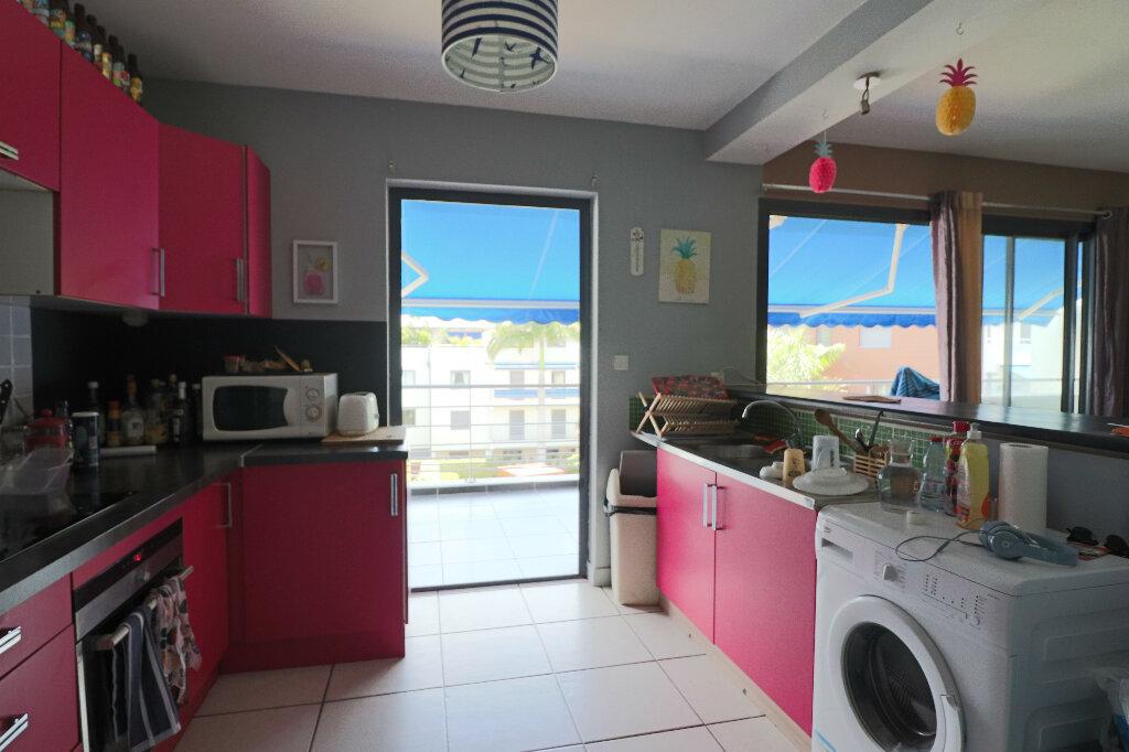 Appartement à vendre 5 122m2 à Saint-Denis vignette-4