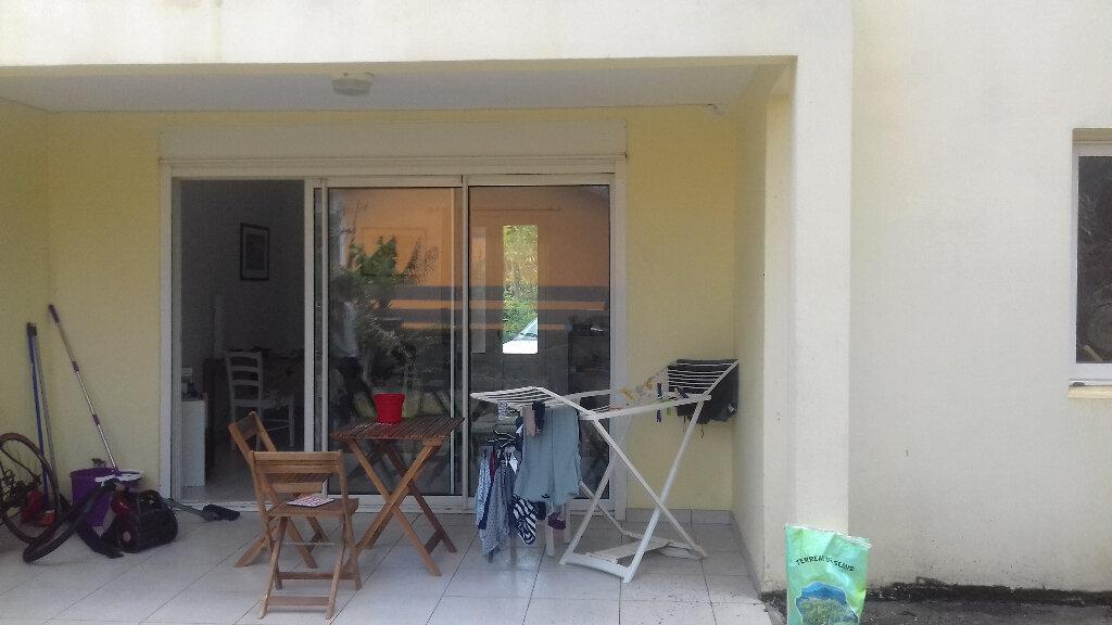 Maison à louer 3 90m2 à Saint-Pierre vignette-5