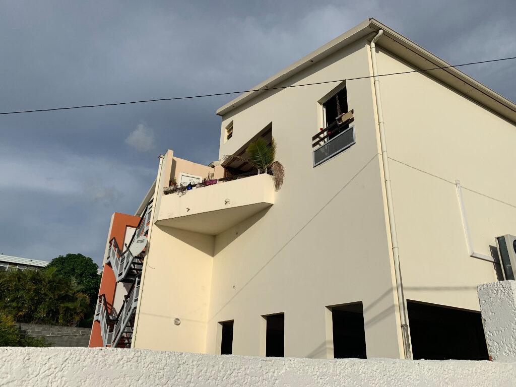 Appartement à vendre 5 90m2 à Saint-Pierre vignette-1