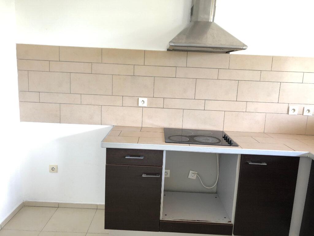 Appartement à vendre 2 68m2 à Saint-Paul vignette-2
