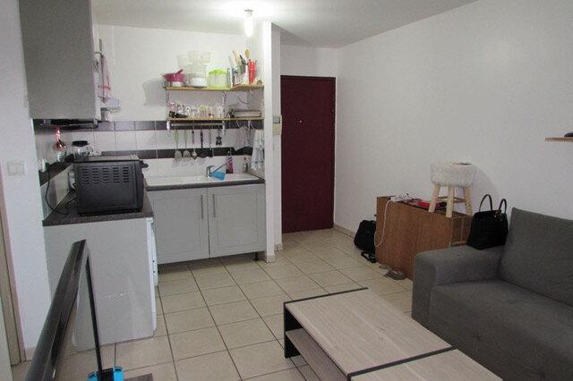 Appartement à vendre 2 33m2 à Saint-Denis vignette-1