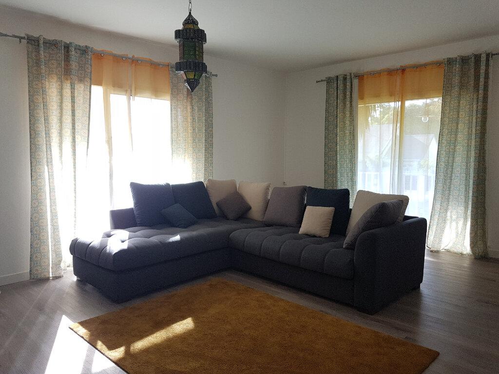 Maison à vendre 4 185m2 à Saint-Pierre vignette-2