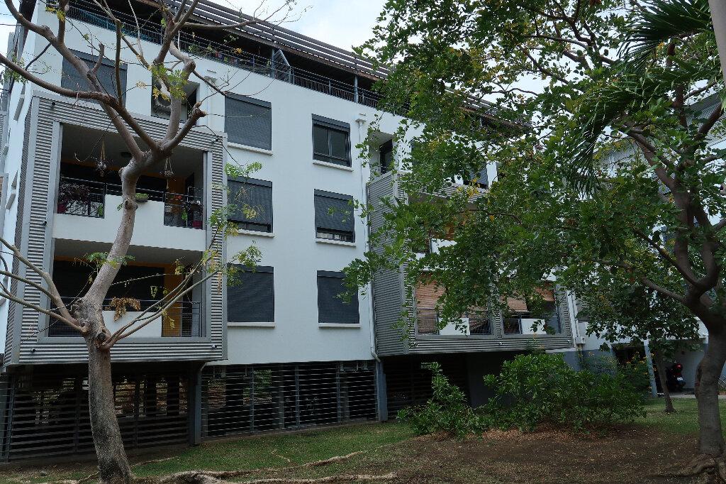 Appartement à vendre 2 43m2 à Saint-Paul vignette-1