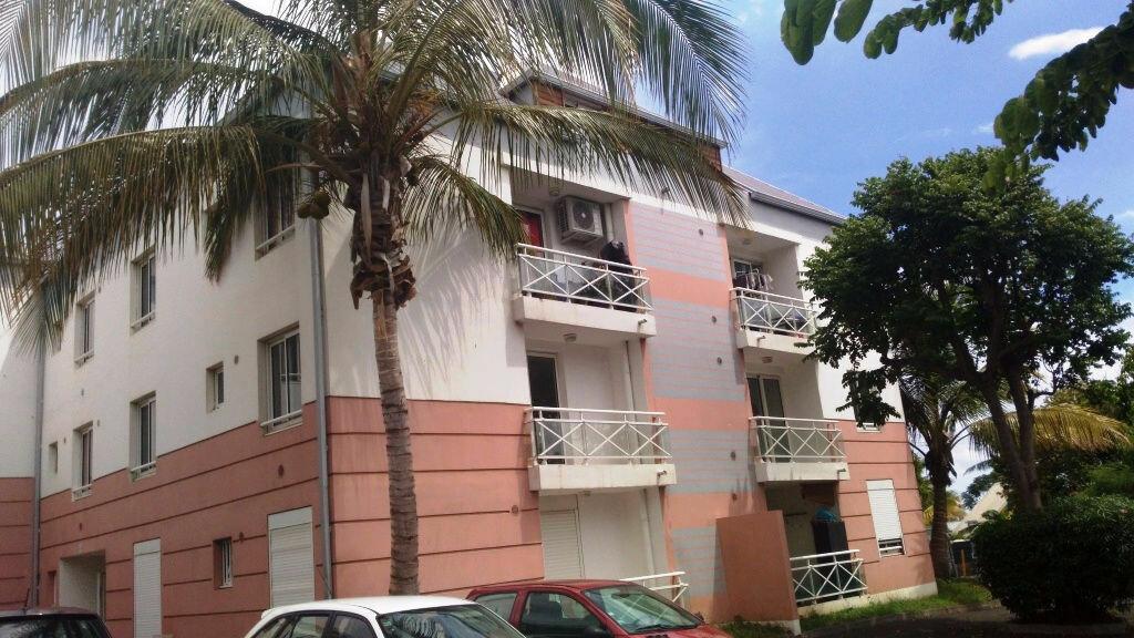 Appartement à vendre 2 39m2 à Saint-Pierre vignette-1