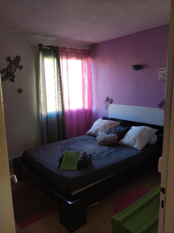 Appartement à vendre 4 67m2 à Saint-Denis vignette-4