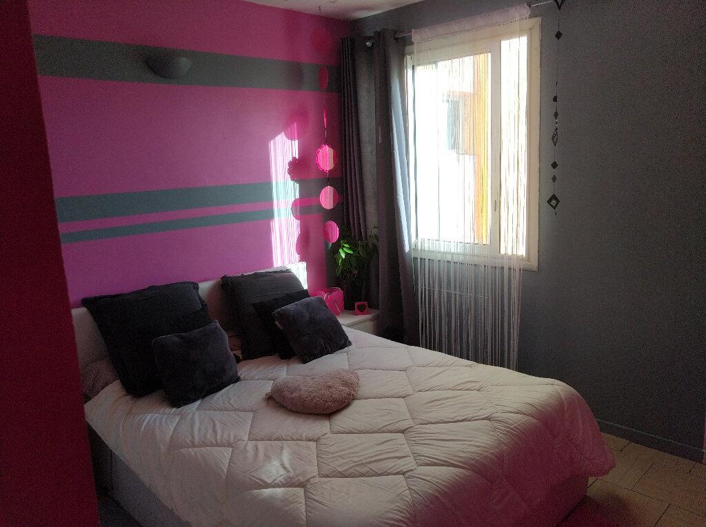 Appartement à vendre 4 67m2 à Saint-Denis vignette-5