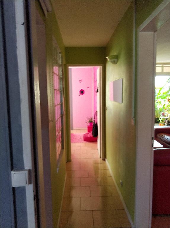 Appartement à vendre 4 67m2 à Saint-Denis vignette-8