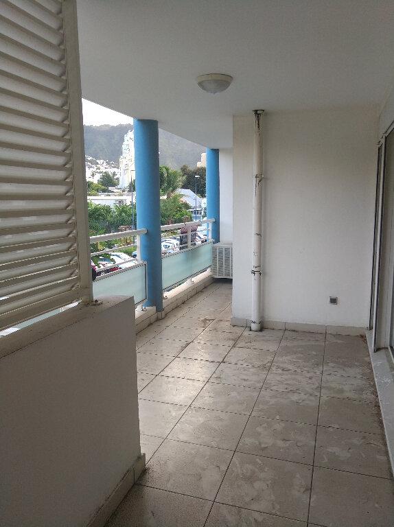Appartement à vendre 2 48m2 à Saint-Denis vignette-1