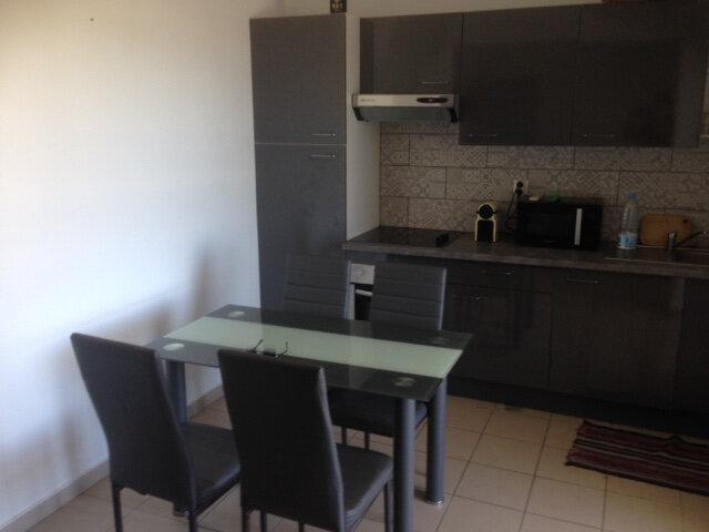 Appartement à louer 2 42m2 à Saint-Paul vignette-2