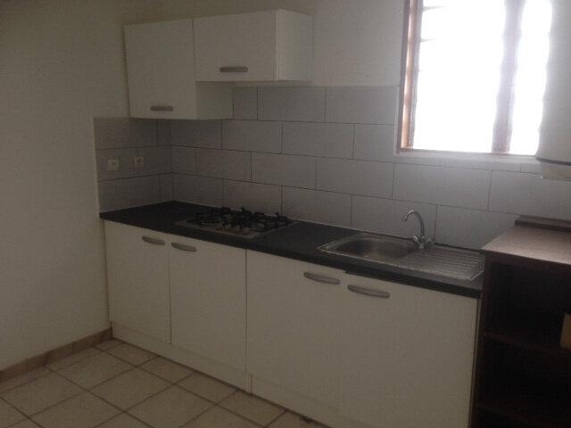 Appartement à louer 4 81m2 à Sainte-Marie vignette-1