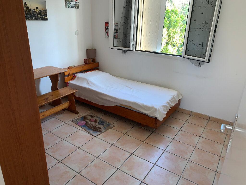 Appartement à vendre 3 60m2 à Saint-Pierre vignette-3