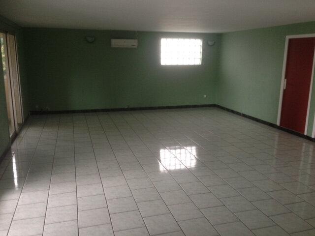 Appartement à louer 5 108m2 à Saint-Denis vignette-2