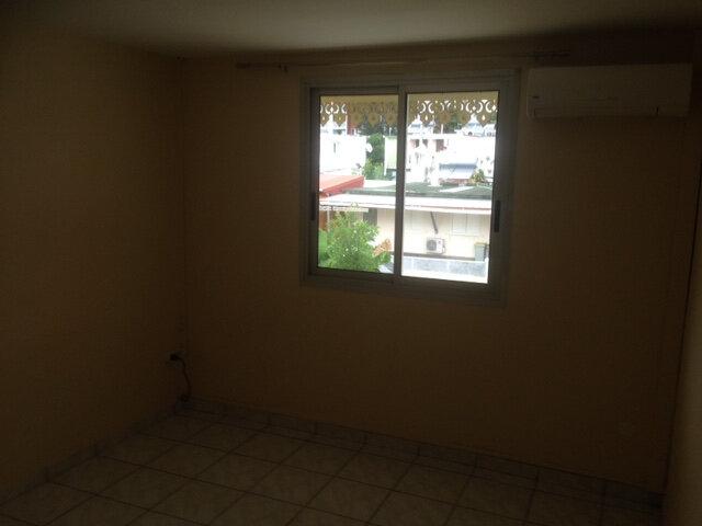 Appartement à louer 5 108m2 à Saint-Denis vignette-5