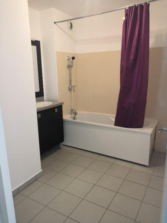 Appartement à vendre 2 61m2 à Saint-Pierre vignette-3