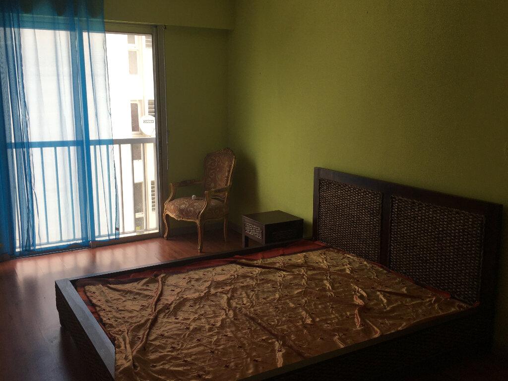 Appartement à louer 3 90m2 à Saint-Denis vignette-2