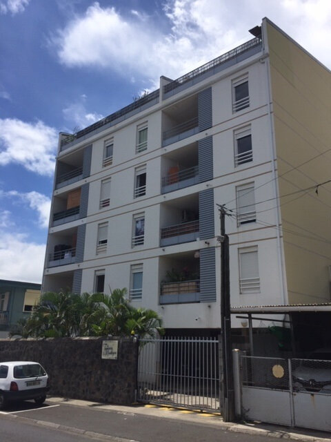 Appartement à louer 1 26m2 à Saint-Denis vignette-1