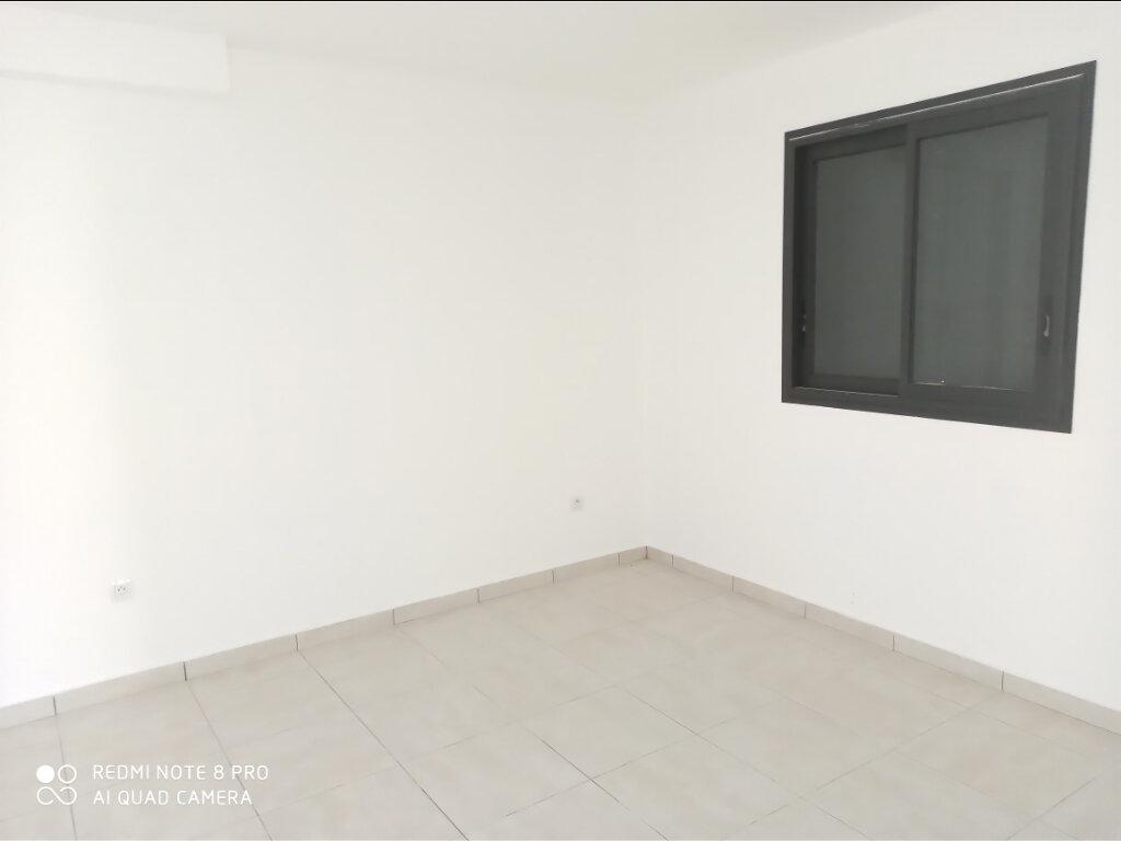 Maison à louer 4 90m2 à Saint-Pierre vignette-3