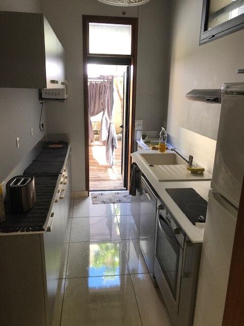 Maison à louer 4 100m2 à Saint-Denis vignette-2
