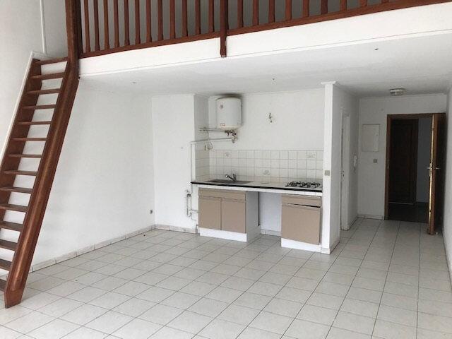 Appartement à louer 1 45m2 à Saint-Denis vignette-1
