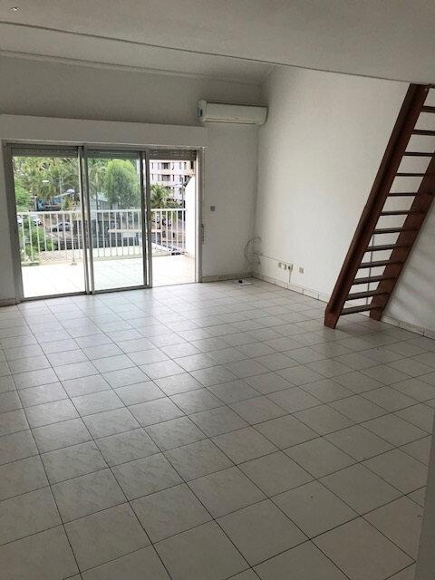 Appartement à louer 1 45m2 à Saint-Denis vignette-2