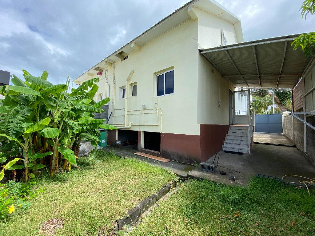 Maison à vendre 4 120m2 à Saint-Pierre vignette-1