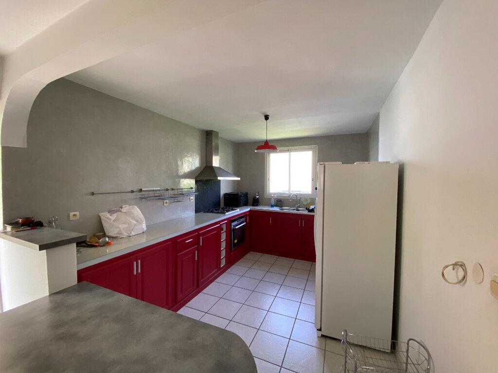 Maison à vendre 4 120m2 à Saint-Pierre vignette-3