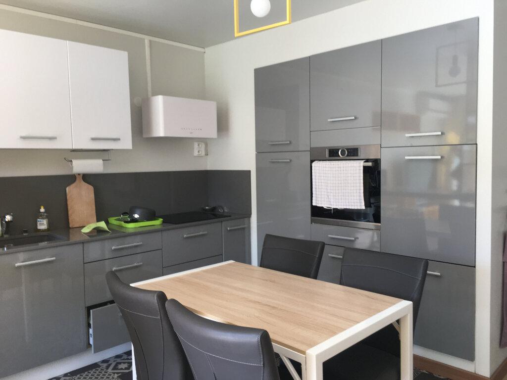 Appartement à louer 2 45m2 à Saint-Paul vignette-2