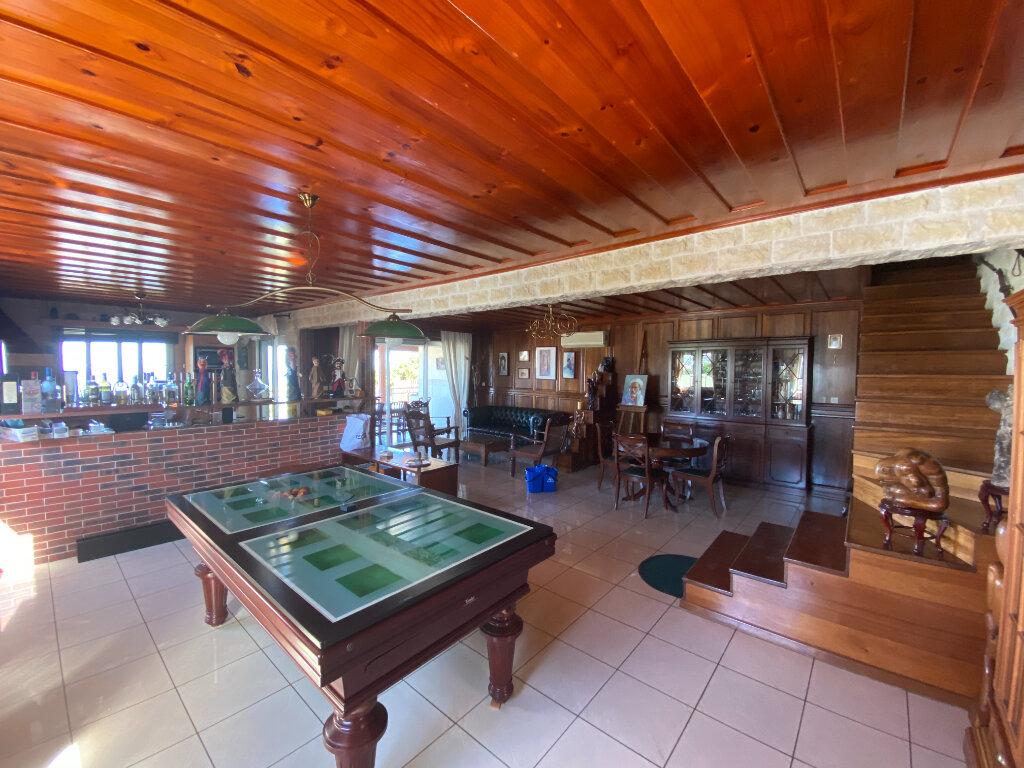 Maison à vendre 17 472m2 à Saint-Pierre vignette-3